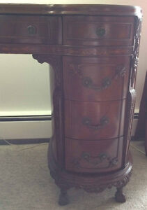 Beautiful high quality French desk 1900th with glass top inserts Kitchener / Waterloo Kitchener Area image 4