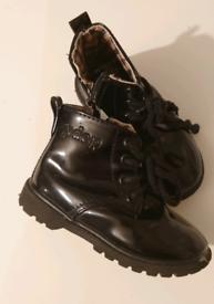 Girls pdep black patent boots size26