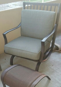 2 Metal Patio Chairs + Cushions