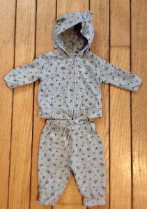 2Pc Baby Gap Outfit, Size 0-3 Months - St. Thomas