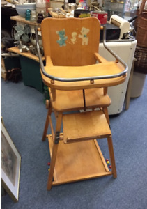 SALE VINTAGE WOODEN CHILDRENS HIGH CHAIR CONVERTS TO PLAY TABLE