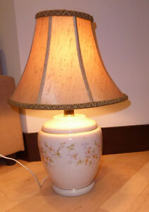 Large table lamp in very good condition Kitchener / Waterloo Kitchener Area image 1