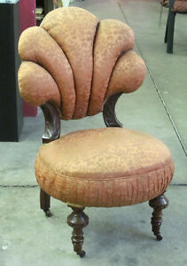 Chaise Antique / Antique Boudoir Chair