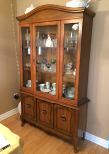 Dining Room Hutch - China Cabinet