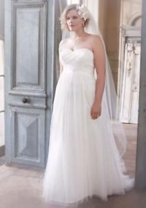 Beautiful size 22 wedding dress