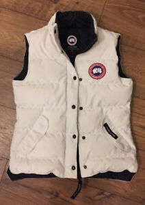 Authentic women's small Canada Goose freestyle vest