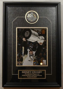 Sidney Crosby Penguins Signed AUTOGRAPH puck Framed w/8x10 Stanl
