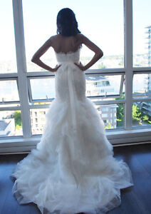 ****BEAUTIFUL Wedding Dress - Size 2- Pronovias Downtown-West End Greater Vancouver Area image 1