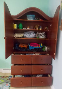 Armoire garde-robes en bois - Wardrobe with drawers in wood West Island Greater Montréal image 4