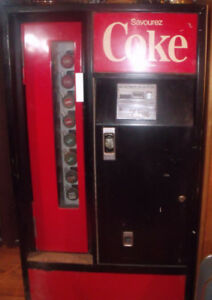 Distributrice de liqueur COKE de marque Cavalier