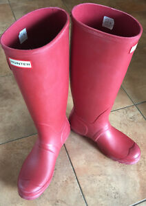 Hunter Boots - Matte Red