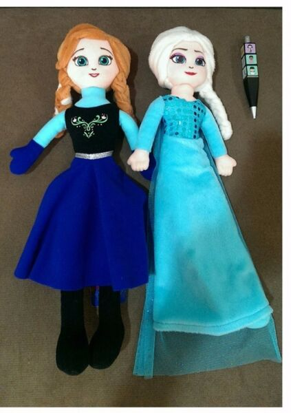 BNWT: Disney Frozen Elsa and Anna Plush Dolls
