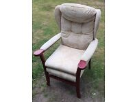 WING BACKED SINGLE CHAIR / NURSING BEDROOM CHAIR