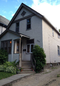 Beautiful 4 Bedroom Home Available for 3 Month Sublet