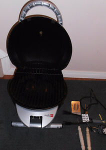SMALL ELECTRIC BBQ