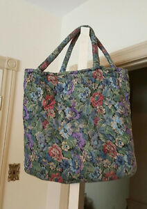 Knitting Needles & Wool Quilted Carrying Bag