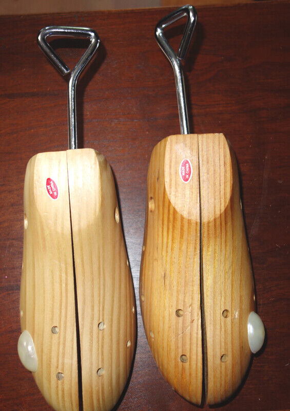 Pair of Wooden Adjustable Shoe Forms Trees Shapers Stretchers