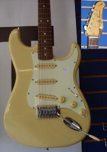 AUBAINE Guitare usagée JAY TURSER en très bonne condition