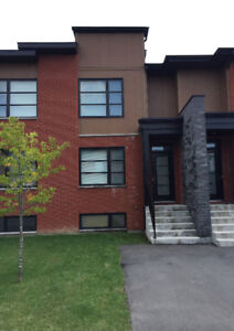 Townhouse for rent in Vaudreuil-Dorion