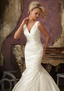 Robe de mariée avec cristaux / Wedding dress with crystals