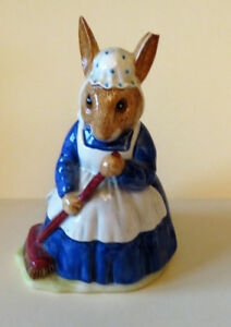 Beatrix Potter Royal Doulton-Mrs. Bunnykins Clean Sweep