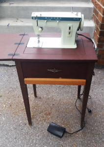 Vintage Singer Fashion Mate 257 Cabinet Table Sewing Machine