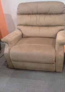 Need a Recliner Uplift Chair for a great price today Prince George British Columbia image 1
