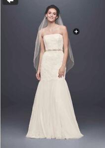 *never worn* Wedding Dress, trumpet style, size 8 (white)