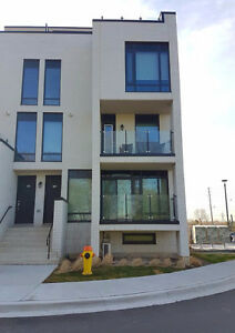 Fully Furnished Luxury Executive Town Home For Rent,Kip&Eglinton