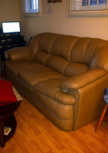 Reduced - Leather couch and love seat! Windsor Region Ontario image 3