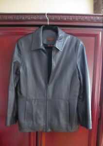 LADIES DANIER LEATHER JACKET - SIZE MEDIUM - LIKE NEW