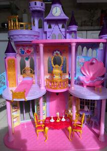 Disney Princess Castle with accessories