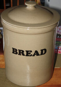 LARGE CROCK WITH LID