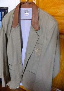 Men suit Gatineau Ottawa / Gatineau Area image 1