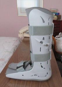 Air cast walking boot