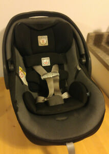 Peg Perego 4-35 Primo Viaggio Car Seat with Base