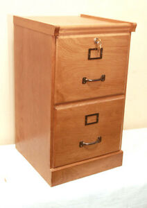 PERFECT SOLID WOOD OAK Filing Cabinet SEE VIDEO Kitchener / Waterloo Kitchener Area image 4