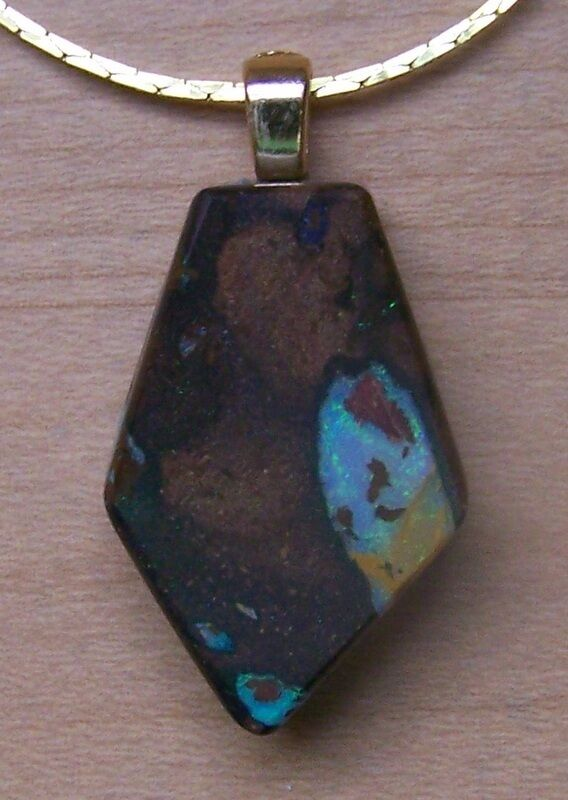 Boulder Opal Pendant Nicely Shaped/Green Sparkle B1-12