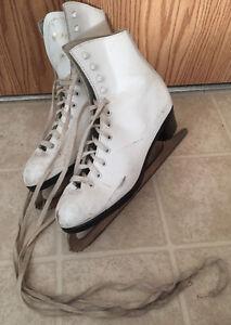 Dominion Canada Figure Skates - Size 7