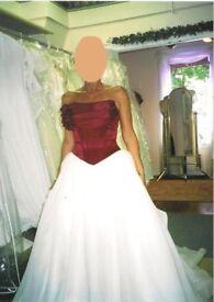 Wedding Dress (UNIQUE BODICE) for YOUR Spring/ Summer Wedding - STUNNING ! !