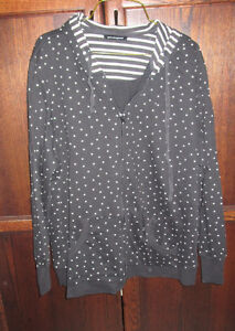 Ladies plus black polka dot zip up hoodie in size 2X Penningtons