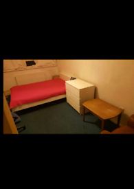 Large double bedroom in Acton