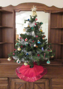 "Mini Christmas Tree Vintage Decorated 36"" Airdrie"