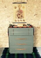 Superbe commode gris plomb au style scandinave industrielle