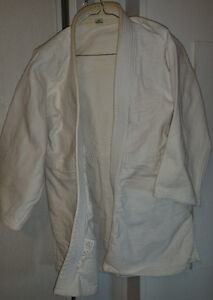Men's Size 5 White Judo Gi Jacket & 2 Pants