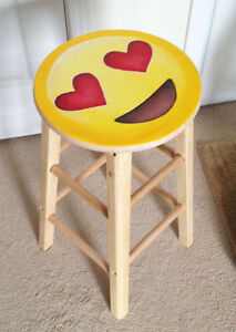 Emoji Heart Eyes Stool