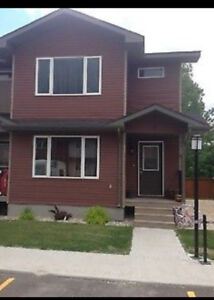 Modern 3bdr Townhouse in Lorette, MB