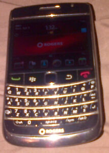 Blackberry Bold 9700 black. Unlocked W/ Official magnetic case