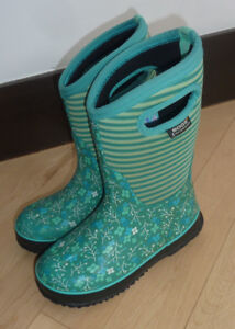 BOGS winter boots, youth size 3