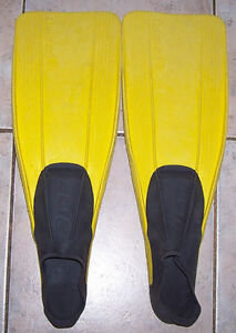 Cressi Clio Full Foot Snorkeling or Diving Yth. Fins